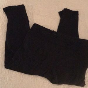 Lululemon Black Shorter Crop Light Leggings Sz 6